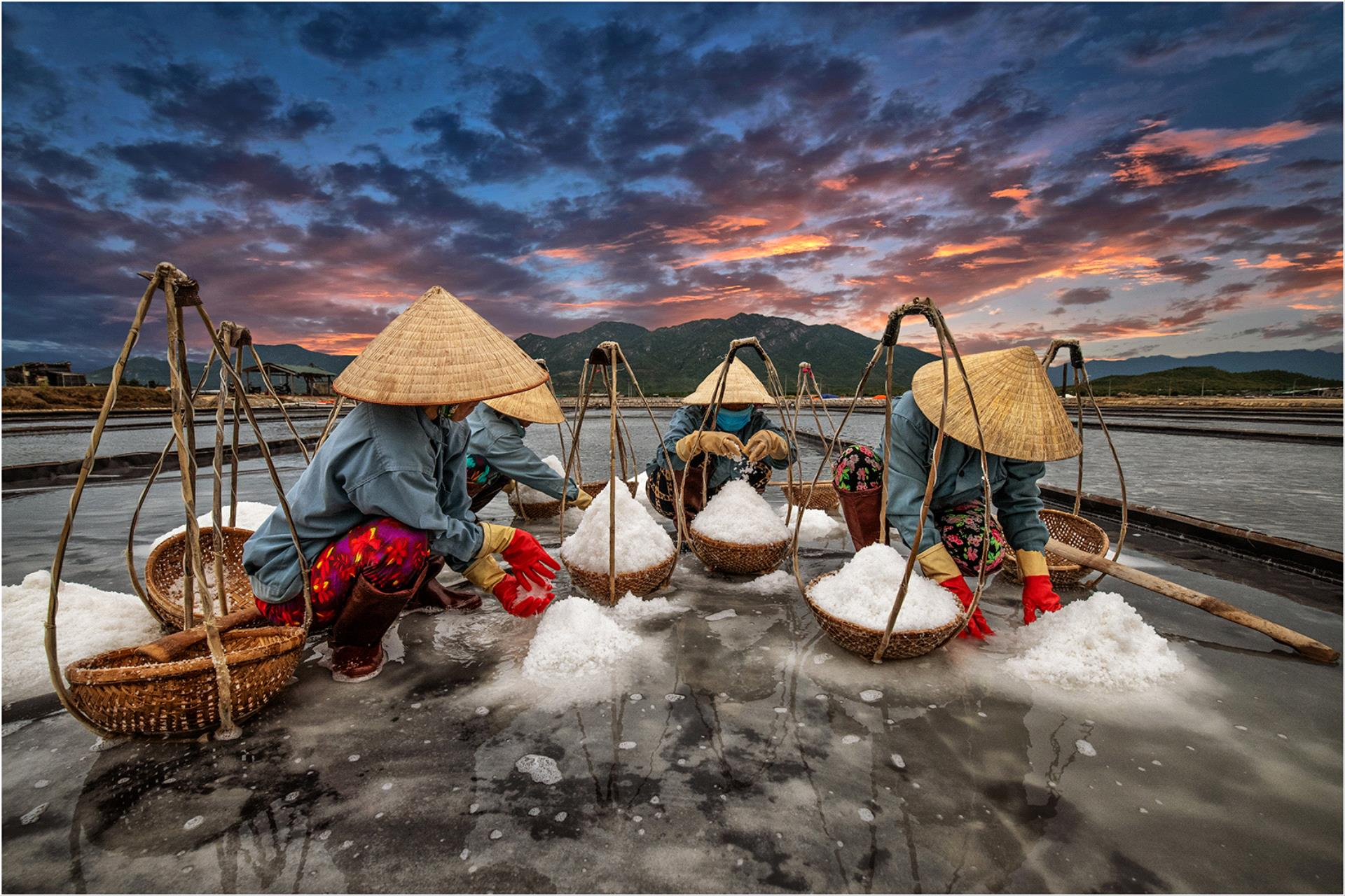 Certificate of Commendation - Lee Eng Tan (Singapore) - Collecting Salt 2